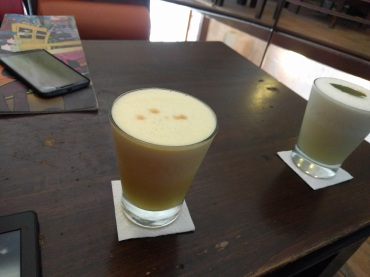 Maracuya Sour (passionfruit sour)